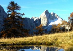 Na predavanju nam je pokazal na stotine fotografij s svojih izletov po Julijskih Alpah in Karavankah. Očarani smo bili nad lepotami naših gora.