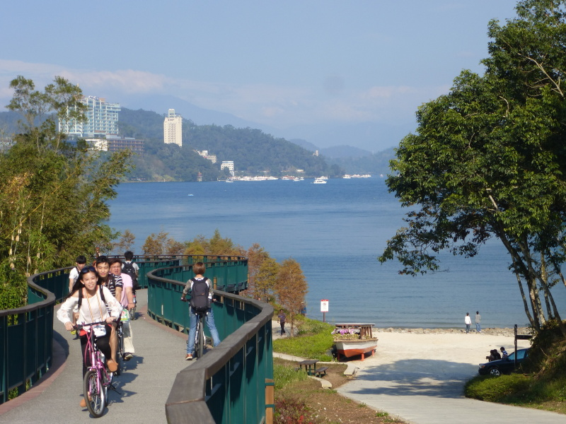 Tajvan - kolesarjenje na jezeru Sun Moon