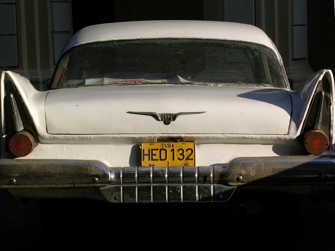 starinski avto na Kubi