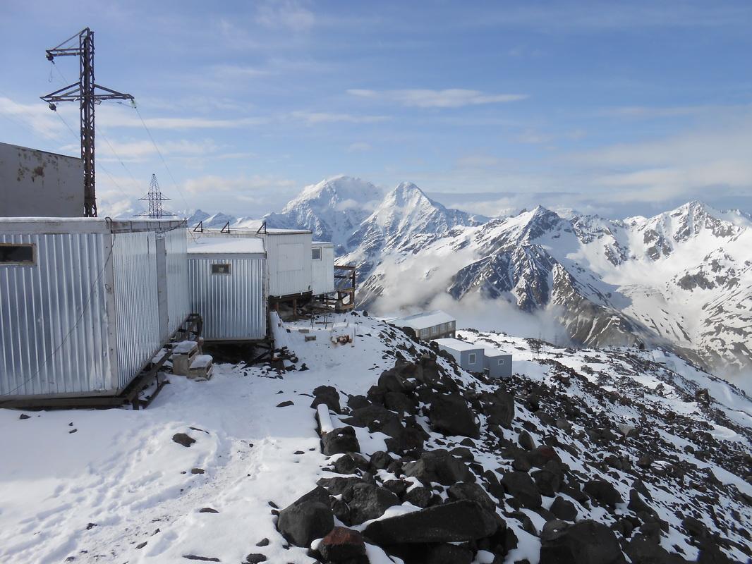 kontejnerji na Elbrusu