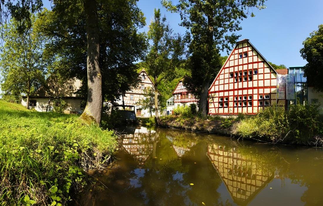 Zgradba s predalčjem - Romantična cesta, Bavarska