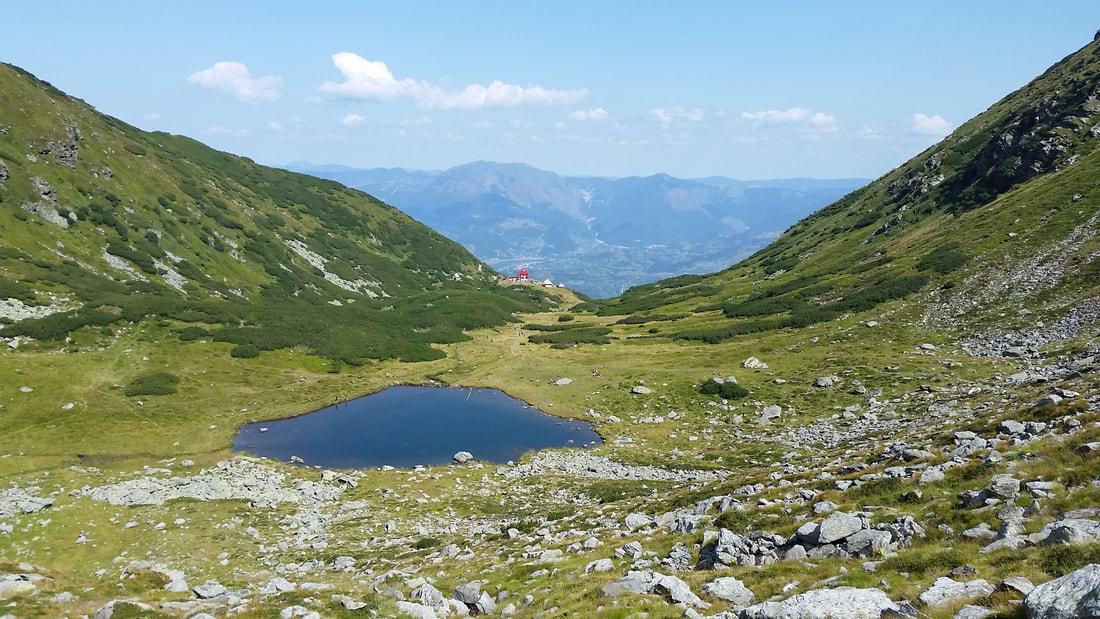 Ledeno jezero ob poti na vrh Pietrosul.