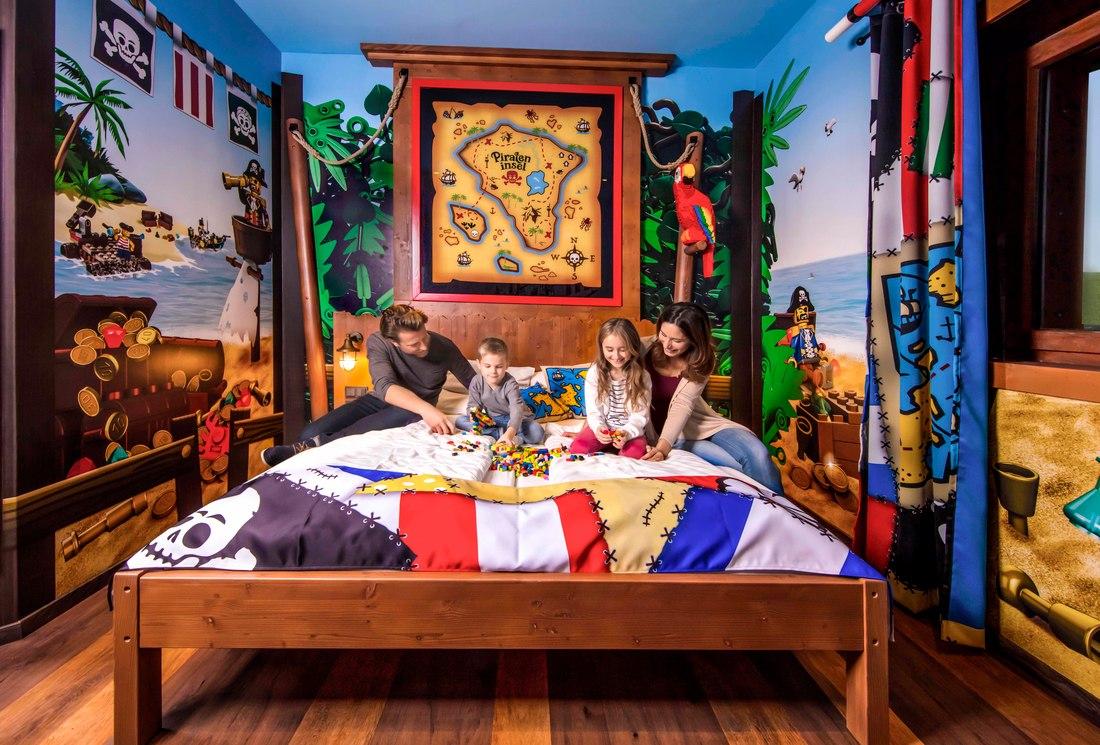 Družinska soba v piratskem hotelu © LEGOLAND®